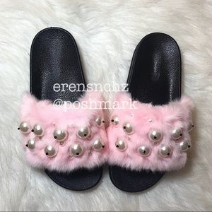 Shoes - Pink fur & pearl slide sandal! ✨✨✨ ships next day!